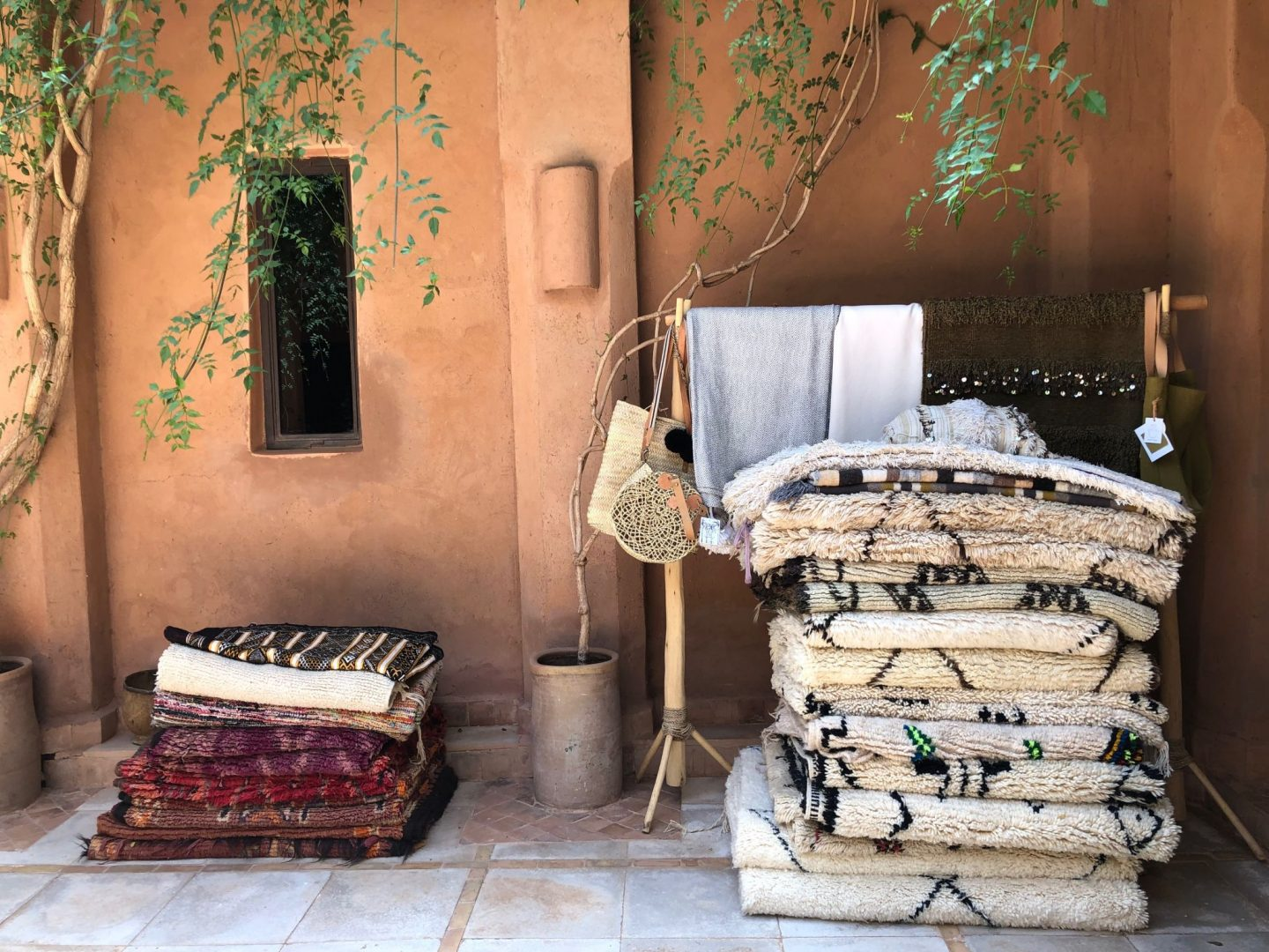 Rugs and carpets sold on the Kasbah Bab Ourika shop website www.minttealovers.com